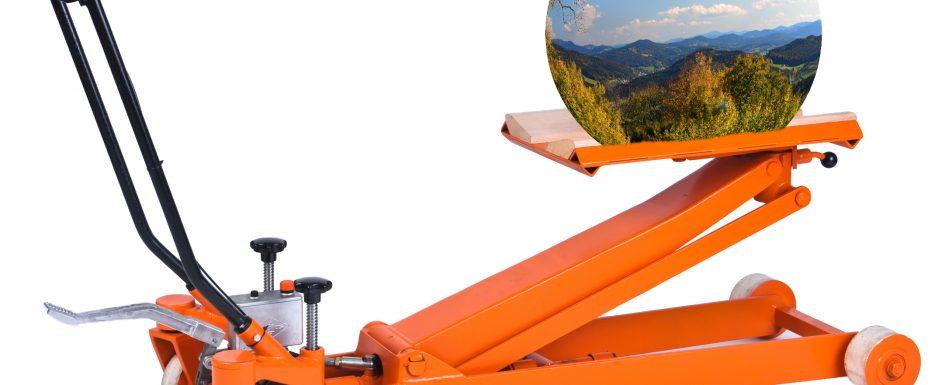 Universalhubwagen UH1/90 bearbeitet mit Foto einer Kugel